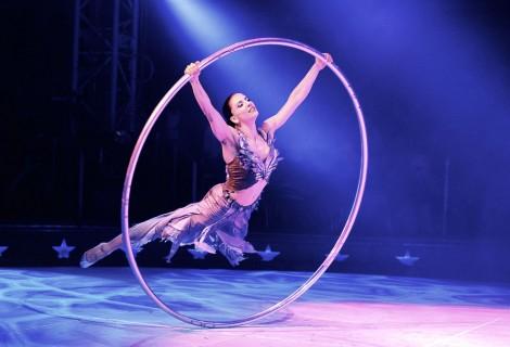 Cyr Wheel door Valerie Inertie