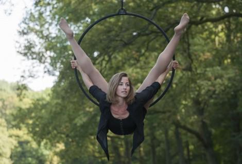 """Aerial Hoop Act """"Exileosis"""" door Kami-Lynne"""